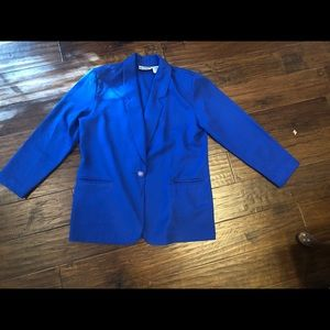 🆕 Liz Baker Essentials Royal Blue blazer. Size 8P